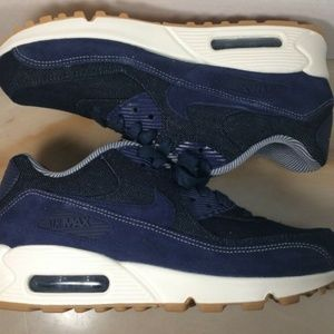 Nike Shoes - Nike Air Max 90 SE women's shoes size 7.5